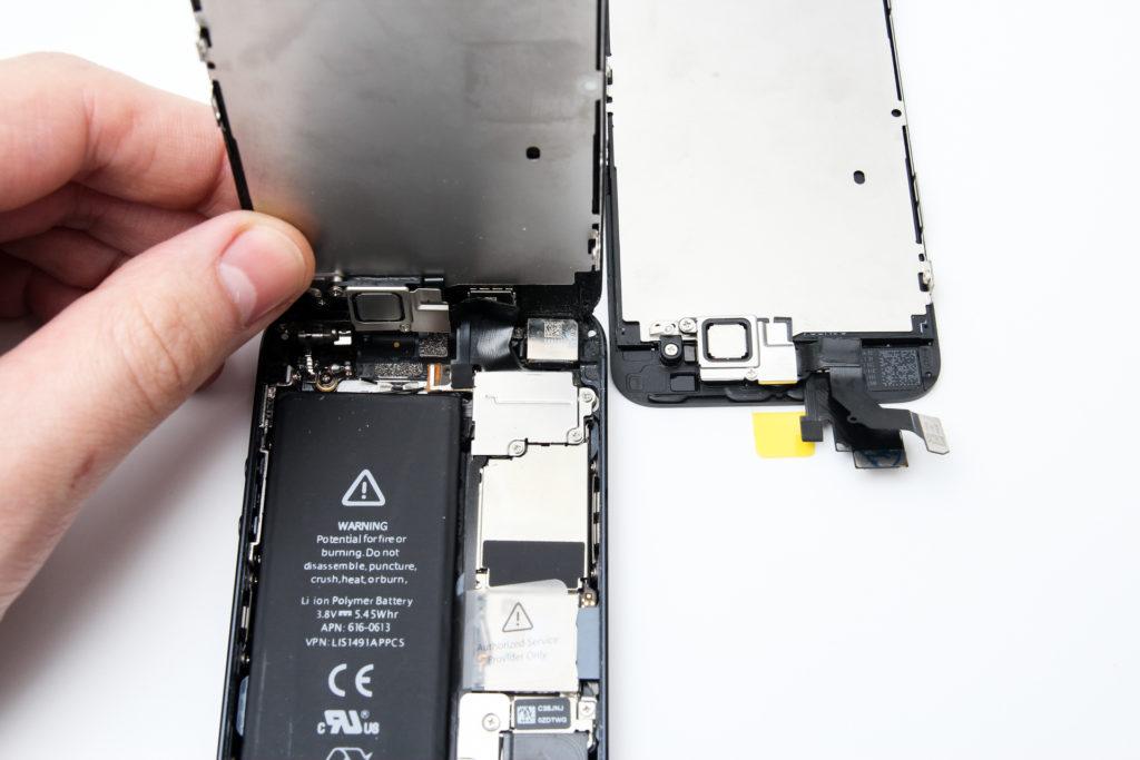 Как поменять стекло на iPhone 5