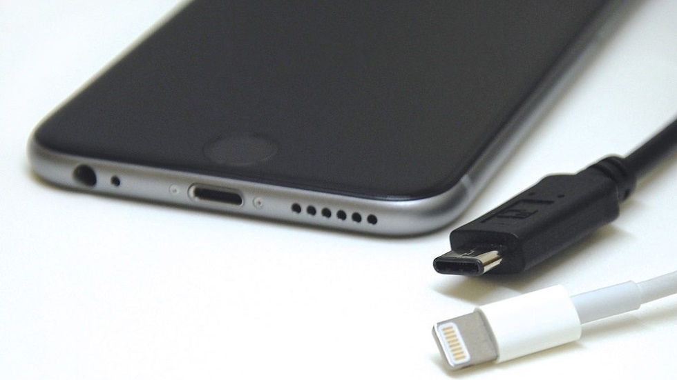 Айфон заряжается но проценты не прибавляются