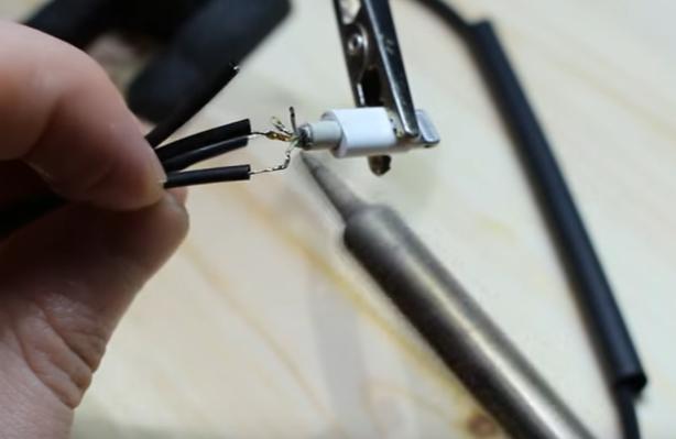 Как сделать ремонт провода iPhone  5 своими руками