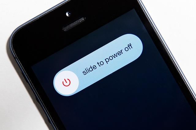 Перезагрузить айфон 5 без кнопки включения